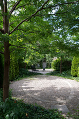 Backyard of the Week: Leafy Park-Like Retreat in Toronto