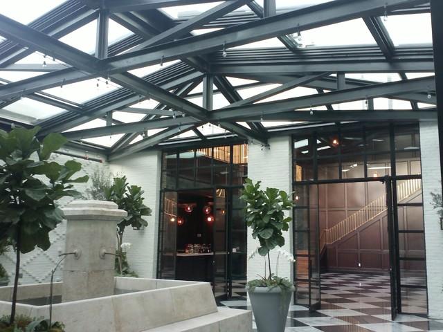 Oxford Exchange modern-patio