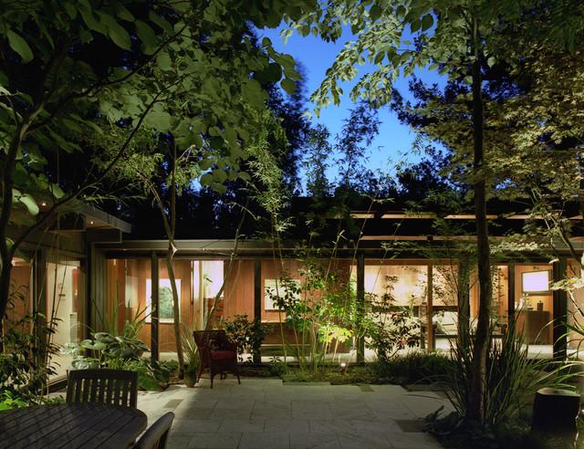 Palo Alto Residence asian-patio