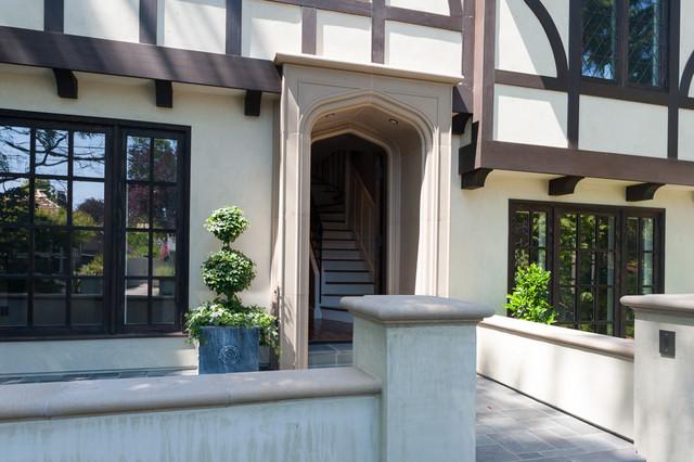 Palo Alto Tudor traditional-patio