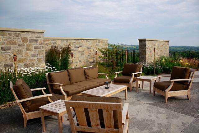 Panoramic Backdrop: Country Elan traditional-patio