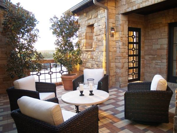 Parade Home 2011 - Rough Hollow modern patio