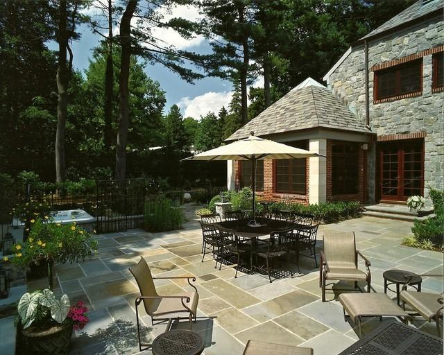 Passive Use Area traditional-patio