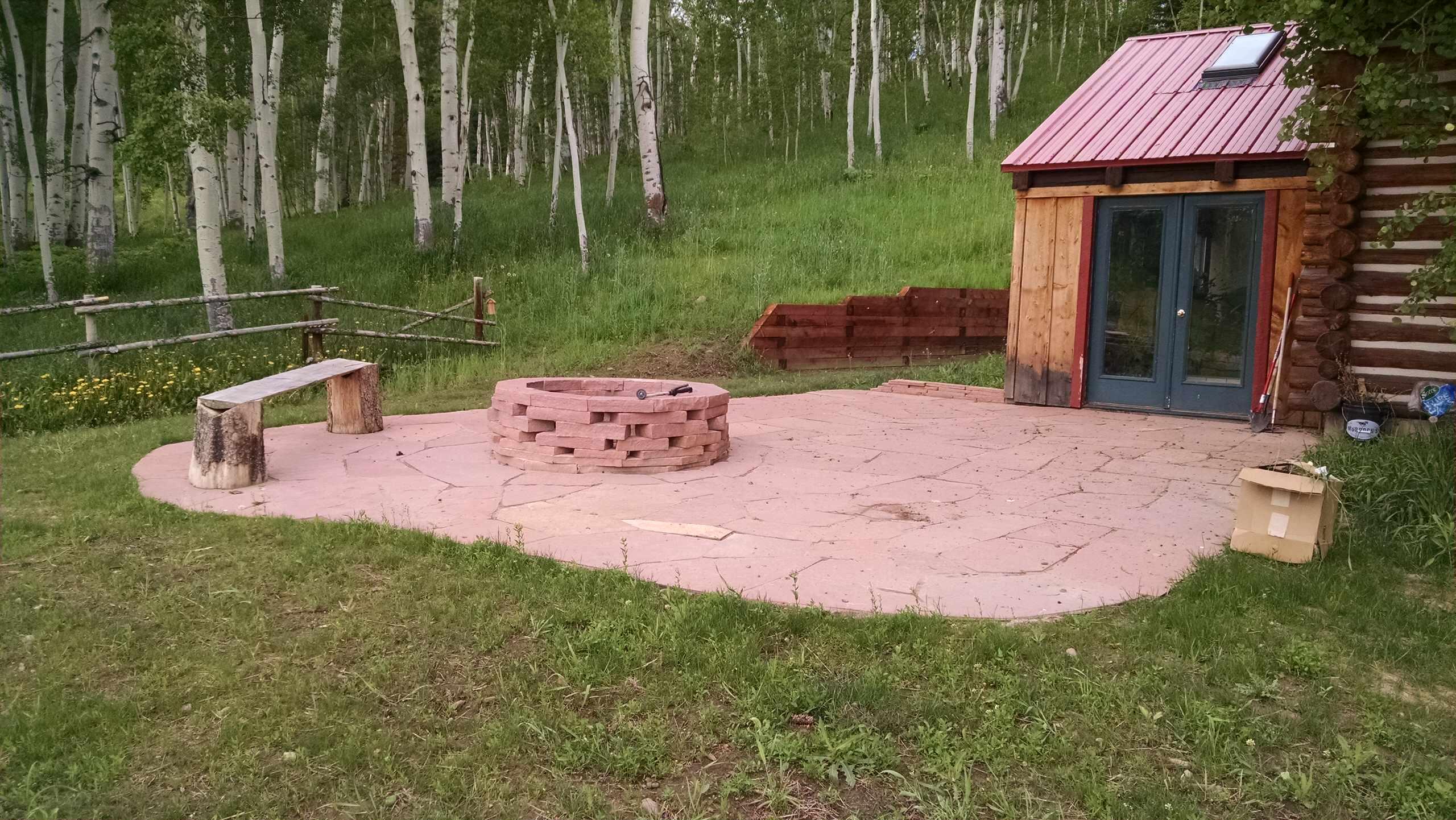 Patio & Fire pit, good idea