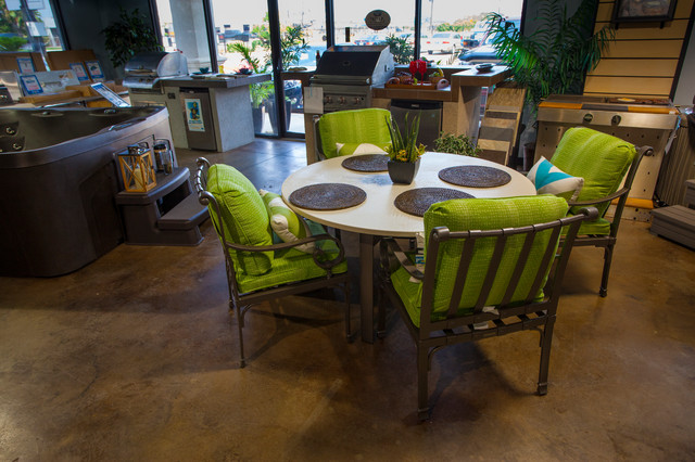 Patio Furniture Moderno Patio Houston di Richard s Total Backyard