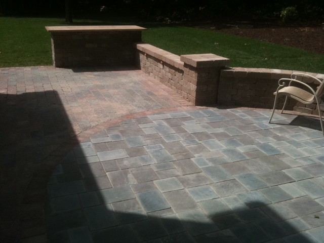 Patios with seatwalls traditional-patio