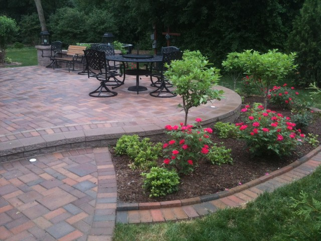 Patios With Seatwalls Traditional Patio Detroit By