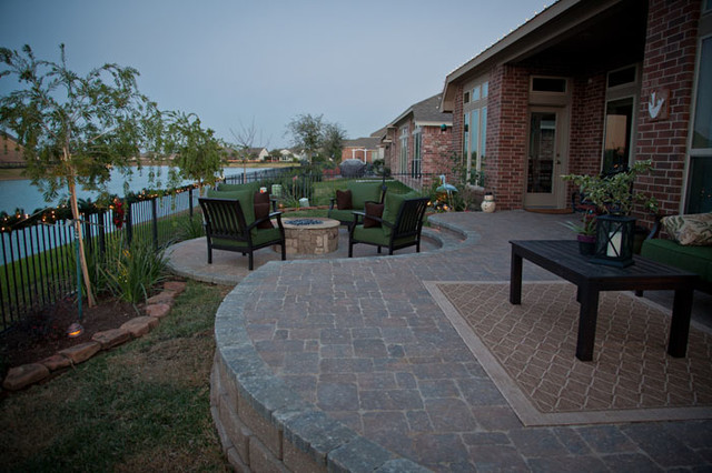 Paver Patio and Firepit in Richmond, TX traditional-patio