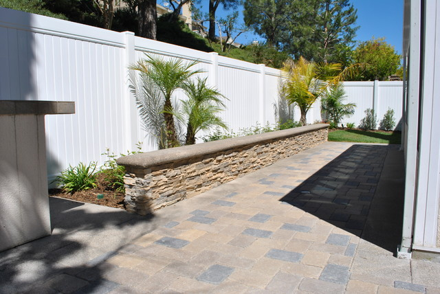 Paver Patio With Stone Veneer Seat Wall Planter