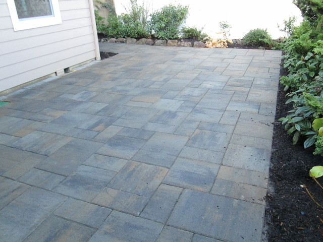 Paver Patios (Interlocking Concrete Pavers) Contemporary Patio