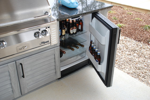 Pearl River Outdoor Kitchen traditional-patio