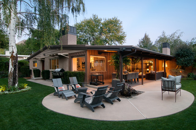 Penrose Drive Contemporary Patio