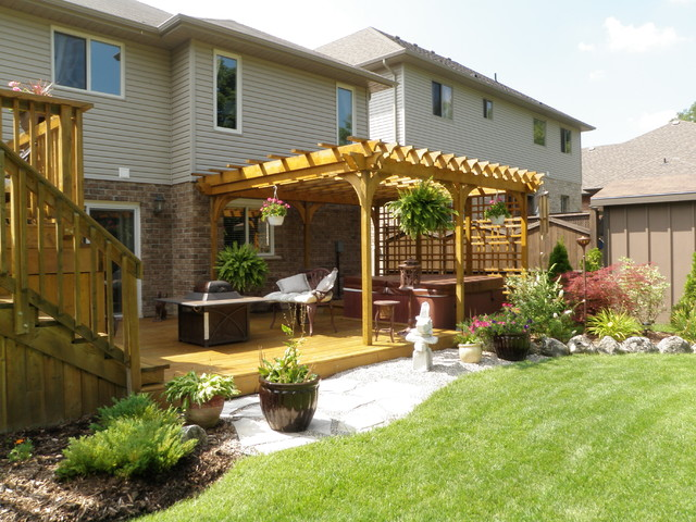 Pergola And Hot Tub Privacy Screen Traditional Patio