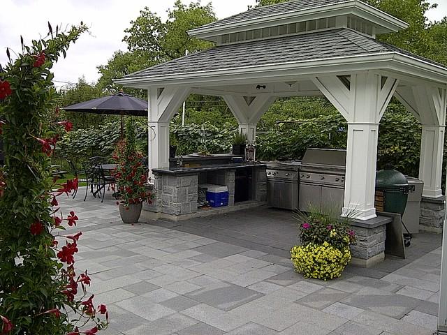 Peter Dorcas traditional-patio