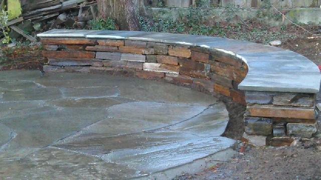 Phinney Ridge Circular Bluestone and Seating Wall Traditional