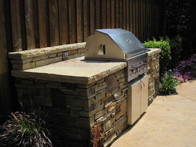 Plano, TX - Dry Stack Stone traditional-patio