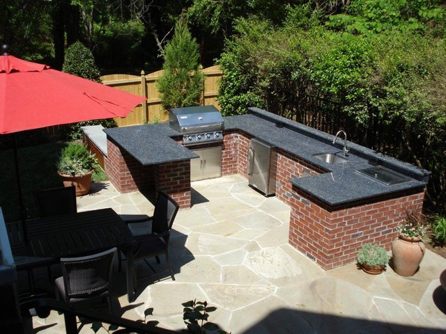 Plaza Midwood Retreat traditional-patio