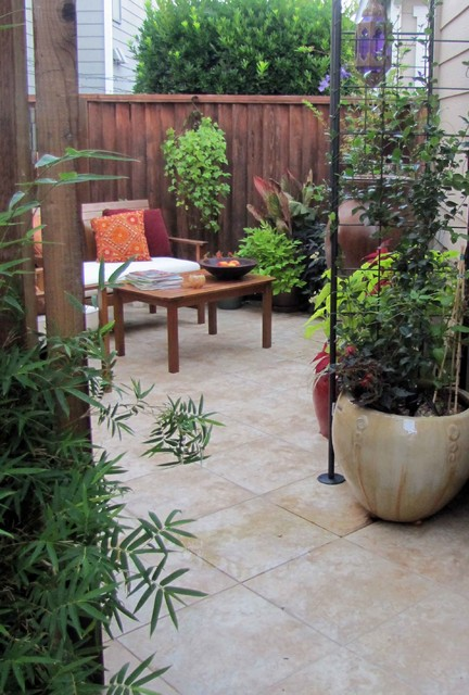 Pleasant hill courtyard garden tropical patio san for Tropical courtyard garden design