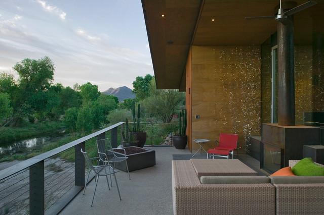 pond house | 9 degrees modern-patio