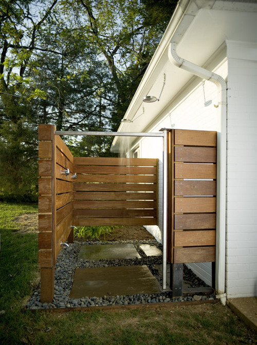 Outdoor shower design for Outdoor bathroom for pool