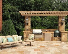 Pool House traditional-patio