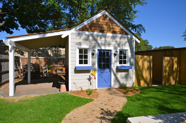 Mittelgroße Urige Pergola hinter dem Haus mit Outdoor-Küche und Betonplatten in Austin