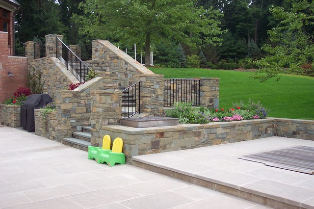Pool patio steps and natural stone veneer traditional for Cipriano landscape design