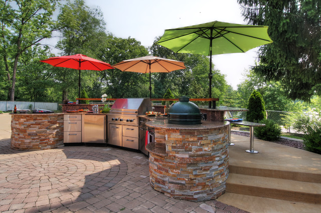 Poolside outdoor kitchen contemporary patio st louis for Poolside kitchen designs