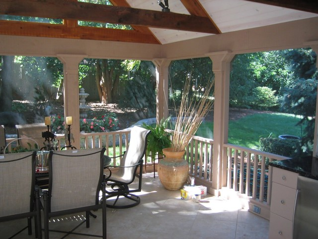 1 traditional patio