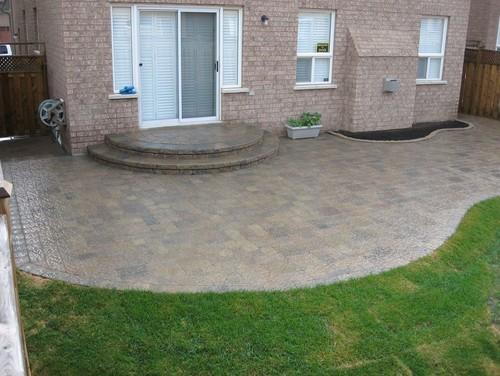 Interlocking Brick Designs For Backyards And Patios