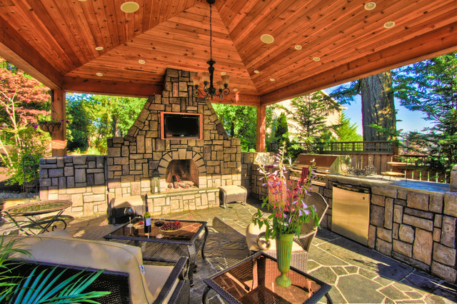 Portland Landscaping Outdoor Living mediterranean patio