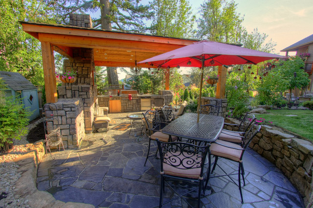 Portland Landscaping Outdoor Living traditional-patio