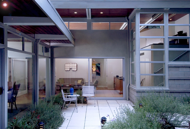 Post & Beam Sanctuary modern patio