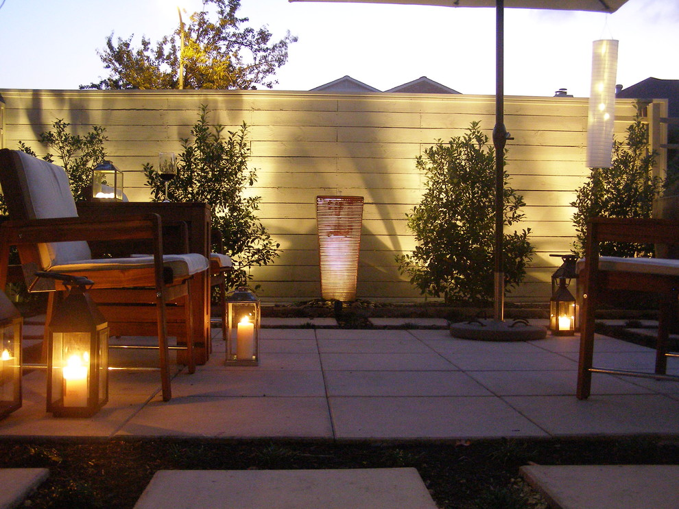 Example of a trendy patio design in Houston with no cover