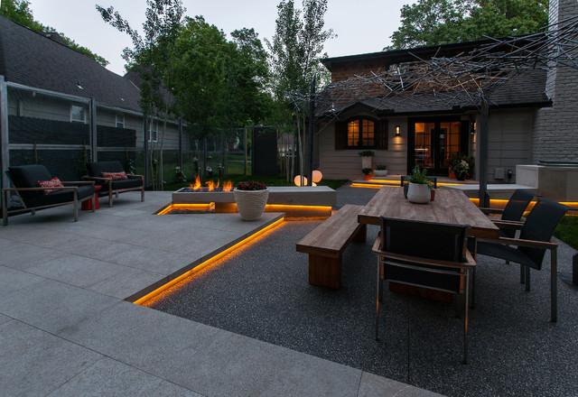 Prairie Village Refuge contemporary-patio