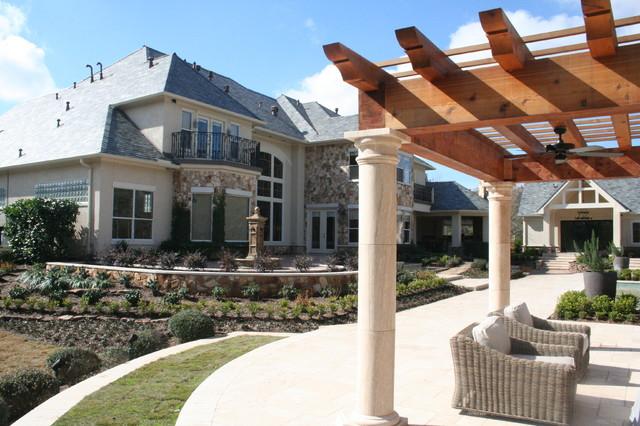 Premier landscape traditional patio houston by for Premier landscape design