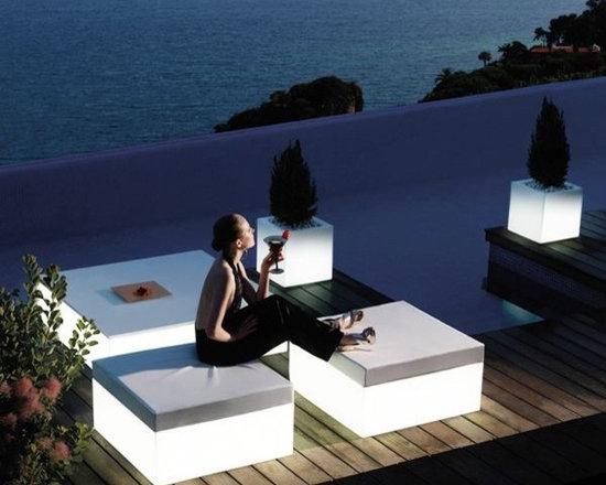 Quadrat Illuminated Outdoor Stool and Table - Quadrat illuminated outdoor stool and table.