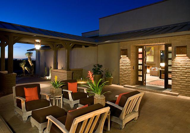 Ranch Courtyard Home contemporary-patio