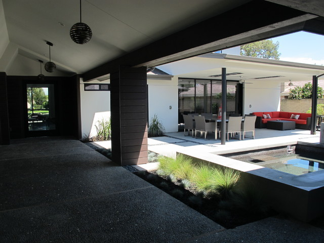 Gale Residence, Ranch style turned modern in Mesa Verde, Costa Mesa, California modern-patio