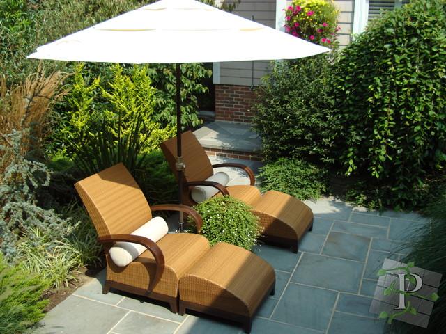 Random Images traditional-patio