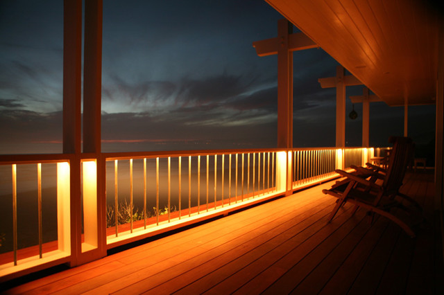 Recessed Lighting In Deck Railing Contemporary Patio
