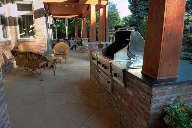 Schopp Garden traditional-patio