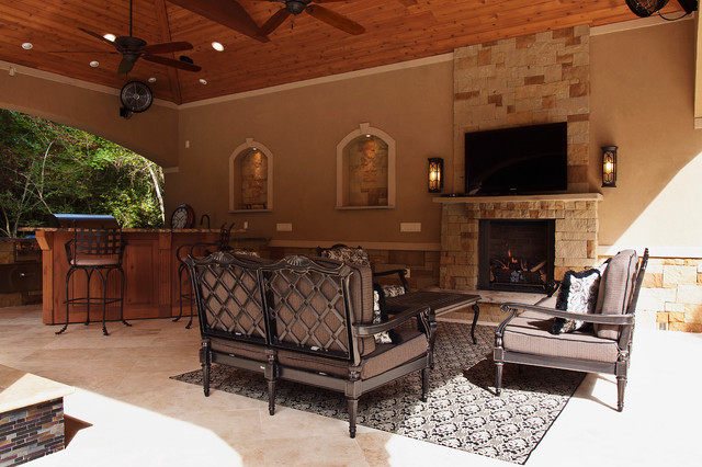 Relaxed Formal Outdoor Living Traditional Patio