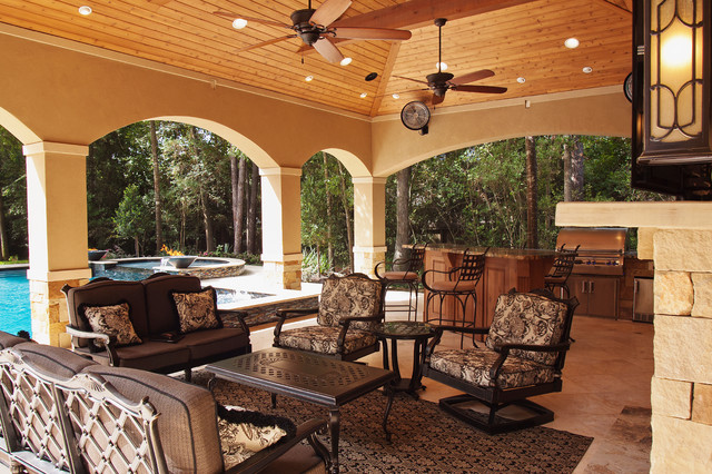 Relaxed formal outdoor living traditional patio Relaxed backyard deck ideas