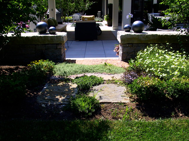 Residence traditional-patio