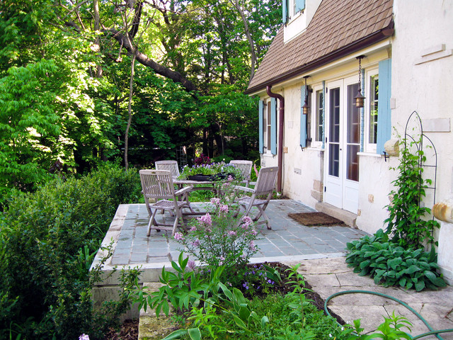 Residential - Historic Preservation traditional-patio
