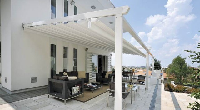 Retractable Awning Traditional Patio