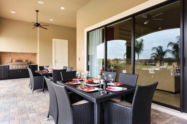 Reunion Resort 115 contemporary-patio