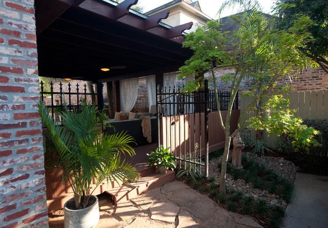 RIVER RANCH OUTDOOR KITCHEN contemporary-patio