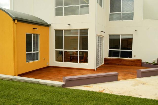 Robinia modern-patio